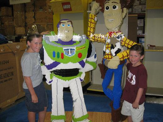 Kids enjoy LEGO models at Creatacor