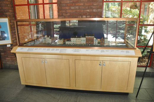 Cabinet with glass display
