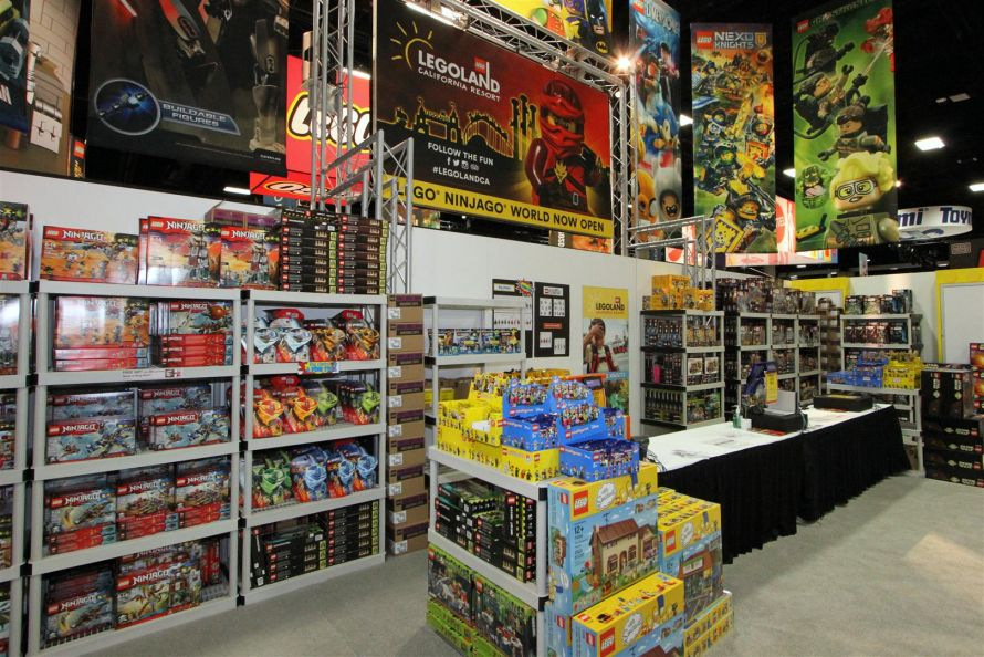 LEGO Store - LEGO San Diego Comic-Con 2016