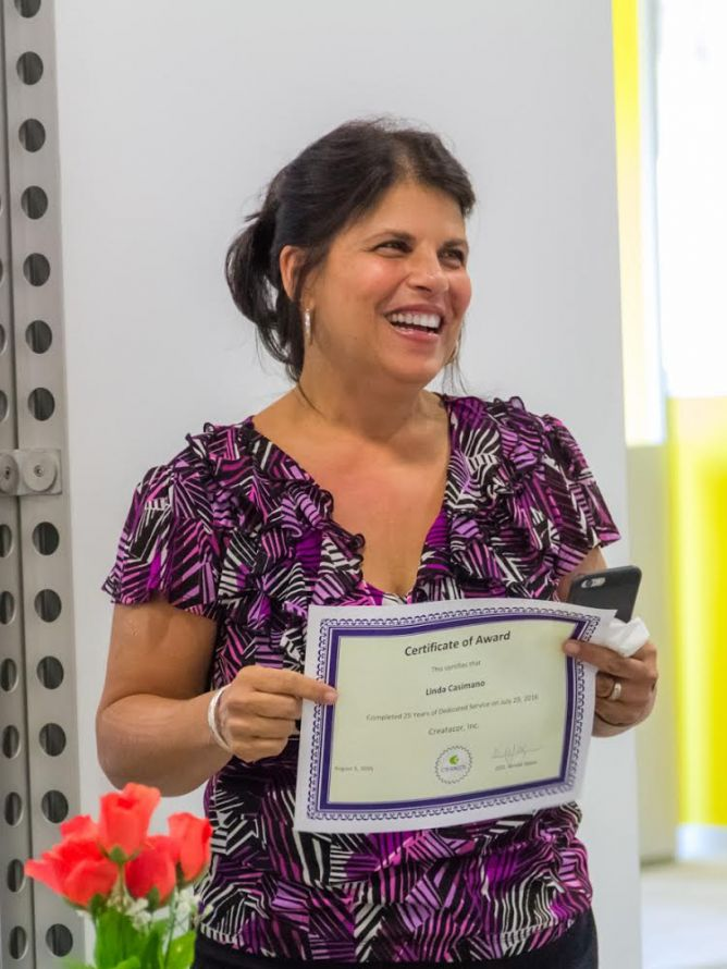 Linda Casimano celebrates her 25th Anniversary at Creatacor