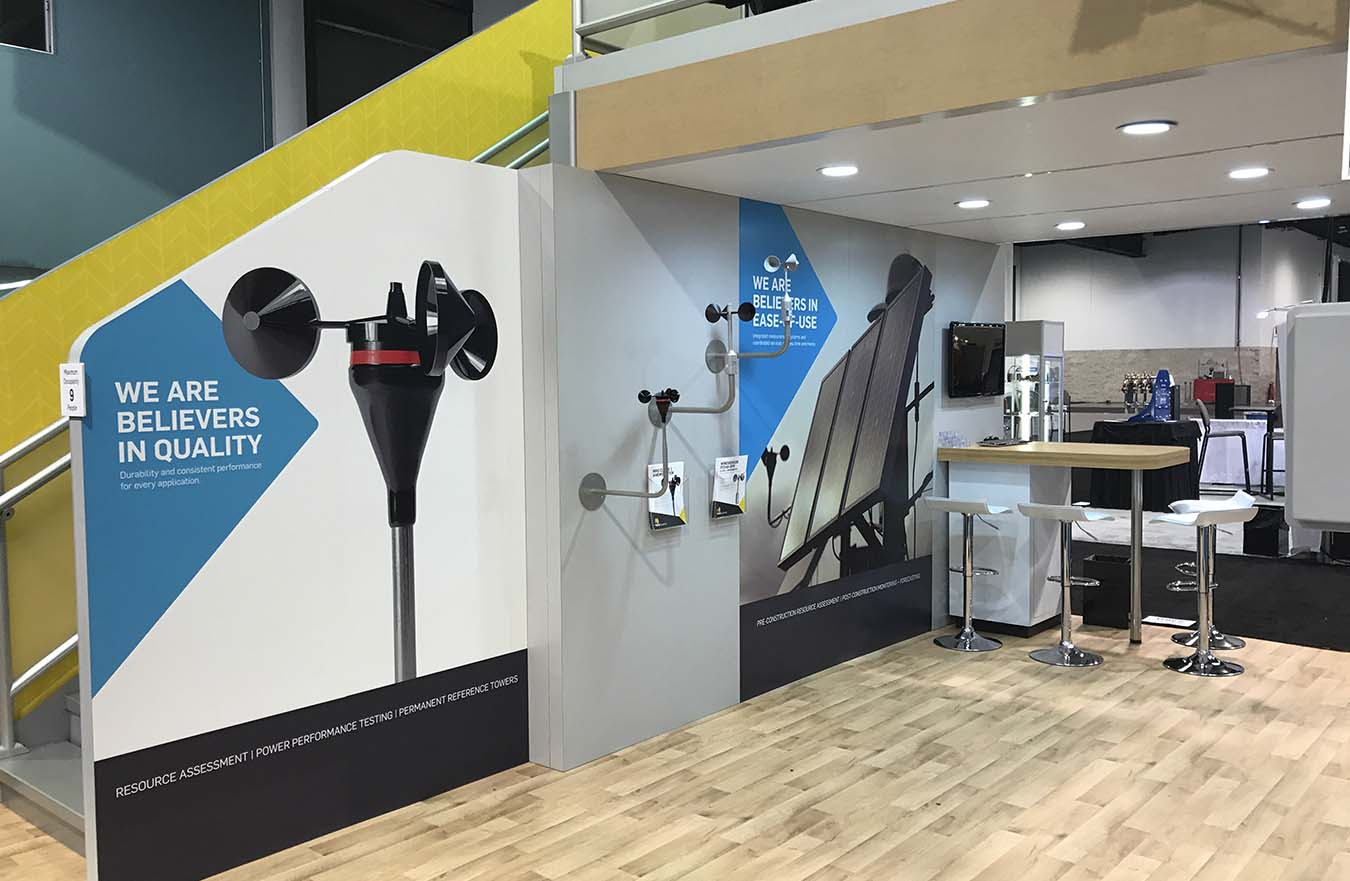 tradeshow display with wall graphics