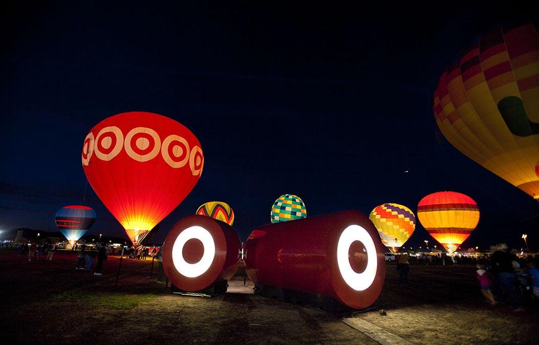 Retail tube at Hot air balloon night launch