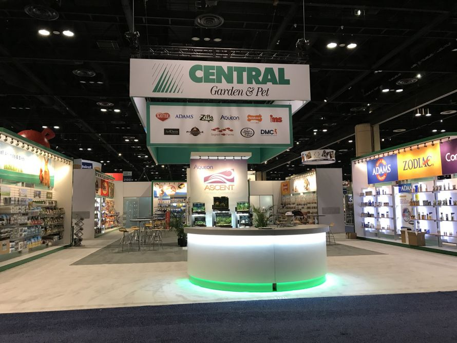 central garden and pet tradeshow exhibit